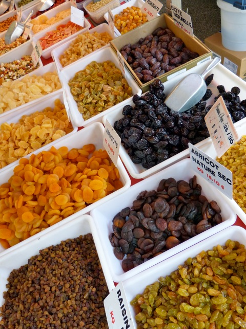 dried fruit stand