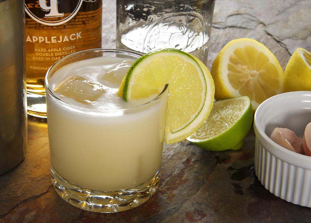 Apple-Jack-Sour-cocktail@10
