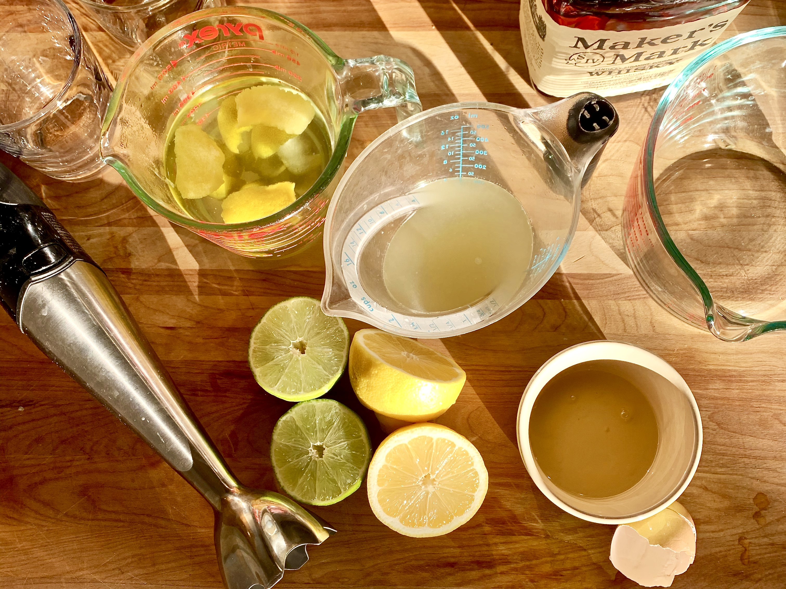 Friday Cocktail Hour! The Whiskey Sour (for four)